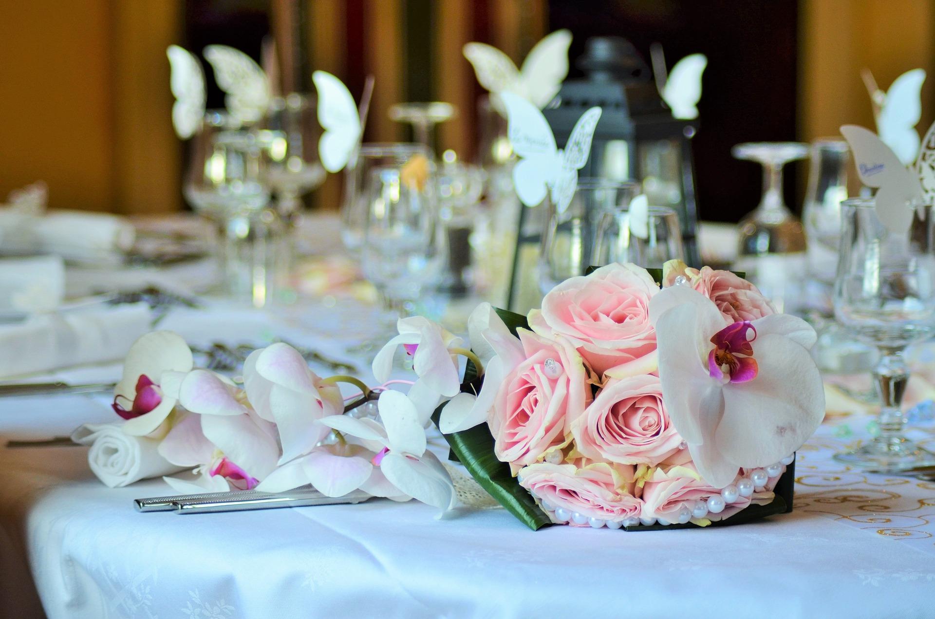 Dom weselny Kamieńsk – wyjątkowy obiekt na przyjęcie ślubne
